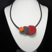 Collier lave émaillée collection 3D orange, pierre et rouge
