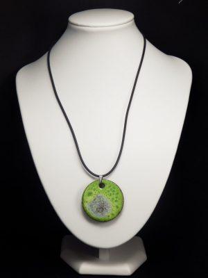 Collier lave émaillée collection cristal vert à effet