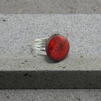 """Bague réglable en lave émaillée collection """"cristal"""", rouge, L'île o Pierres."""