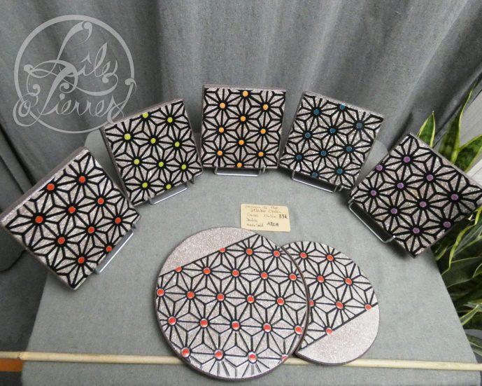 """Dessous de plat collection """"étoiles"""" en lave émaillée par L'île o Pierres."""